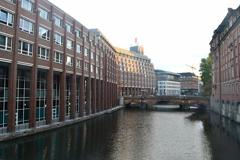 Городом с гамбург знакомство