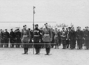 Знамя Лейб-гвардии 1-го его величества стрелкового батальона  на параде .
