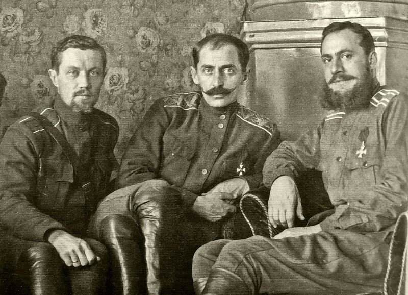 Хабаровск, в кабинете генерала Молчанов.jpg