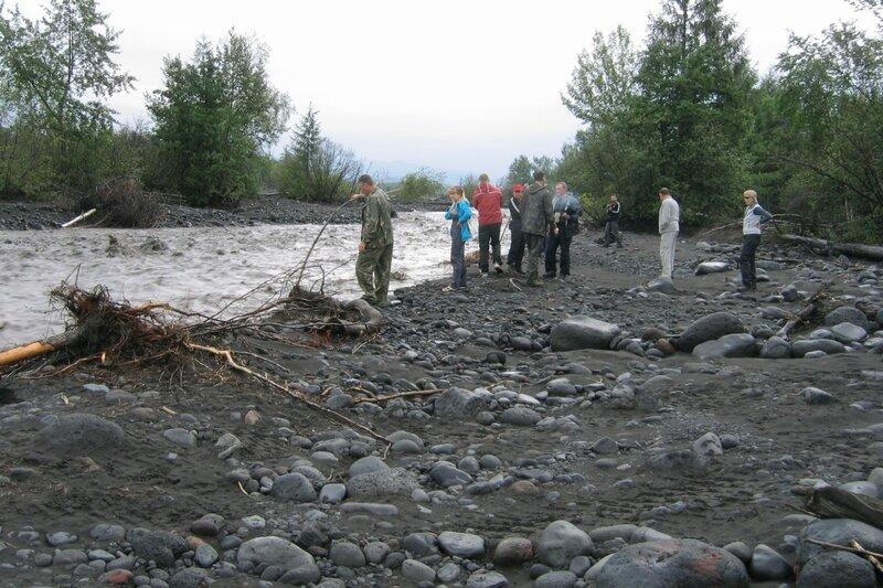 Совещание у реки, Толбачик, Камчатка