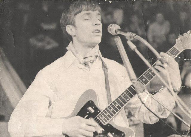 """Михаил Русинов (группа """"Мифы"""") на фестивале в Пензенском цирке. 1972 год"""