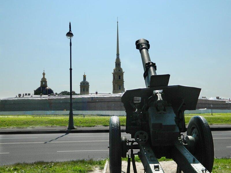 Вид на Петропавловскую крепость с Артиллерийского острова