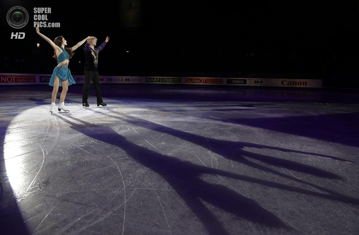 Япония. Фукуока. 7 декабря. Мерил Дэвис и Чарли Уайт из США в Финале Гран-при по фигурному катан