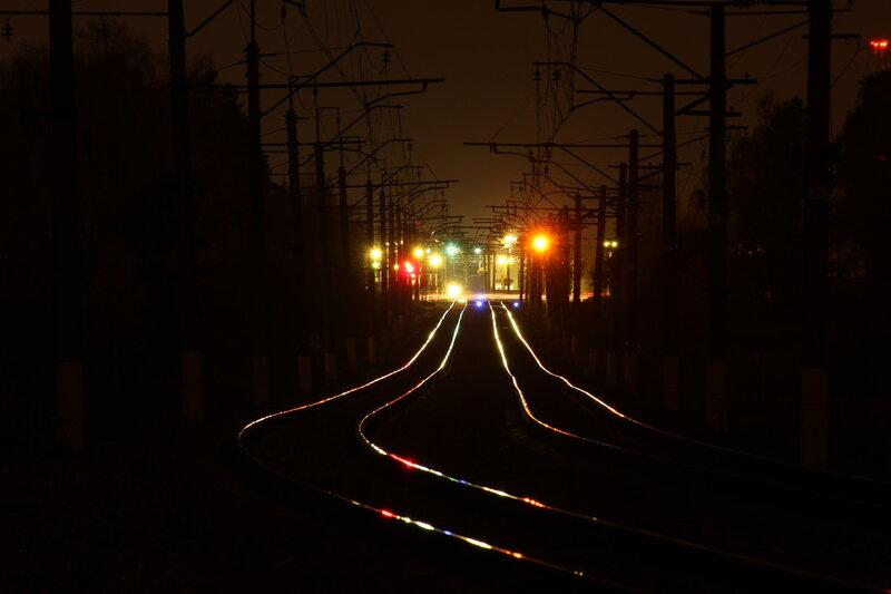 Ночной вид на станцию Дедовск