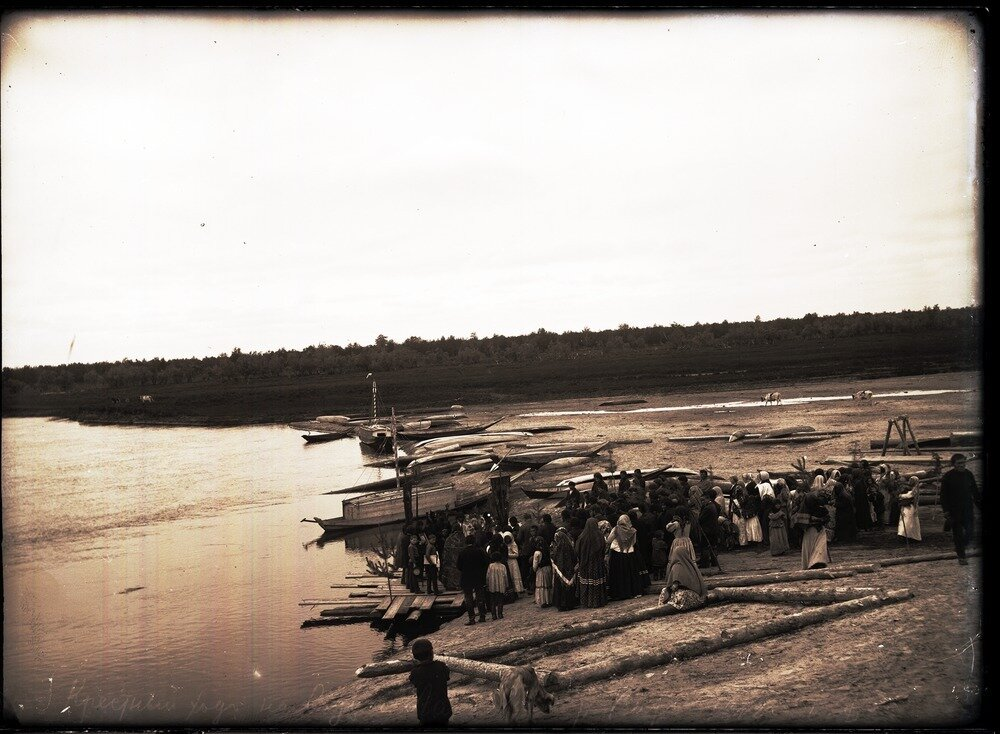 1912. Село Ларьяк.  Крестный ход на воду