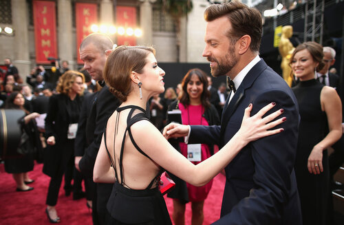 HOLLYWOOD, CA - MARCH 02: Actors Anna Kendrick (L) and Jason Sudeikis attend the Oscars held at Hollywood & Highland Center on March 2, 2014 in Hollywood, California. (Photo by Christopher Polk/Getty Images)