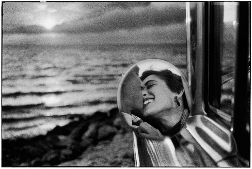 Elliott_Erwitt_USA_California_1955_03.jpg