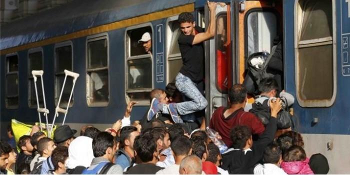 Беженцев пустили навокзал вБудапеште