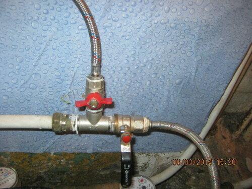 Врезали в систему холодной воды тройник с клапаном для титана