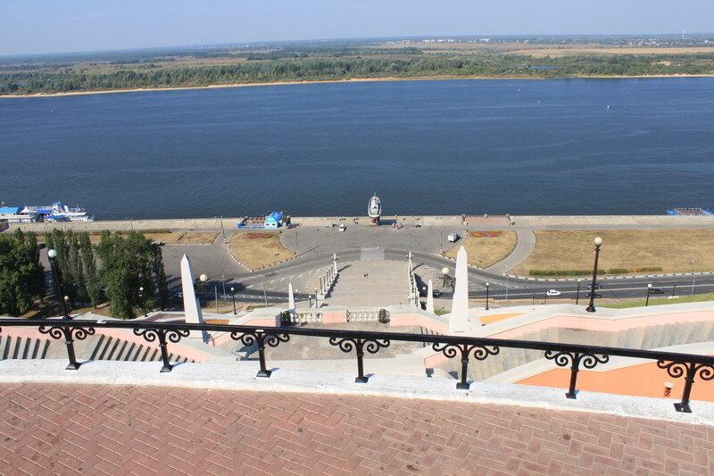 Чкаловская лестница в Нижнем Новгороде (вид сверху)