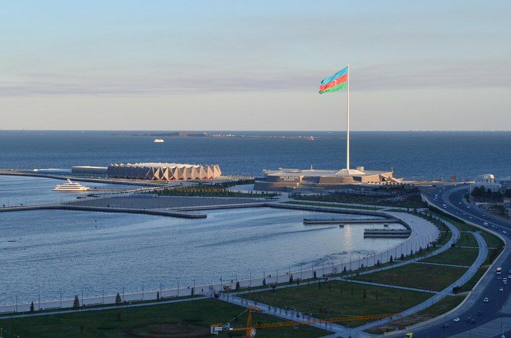 6. День в Баку. Второй в мире по размерам флаг. Отчет о поездке в командировку в Азербайджан.