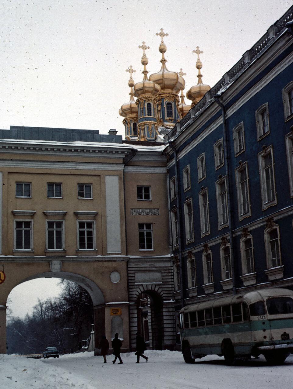 Tsarskoe-selo gate & chapel