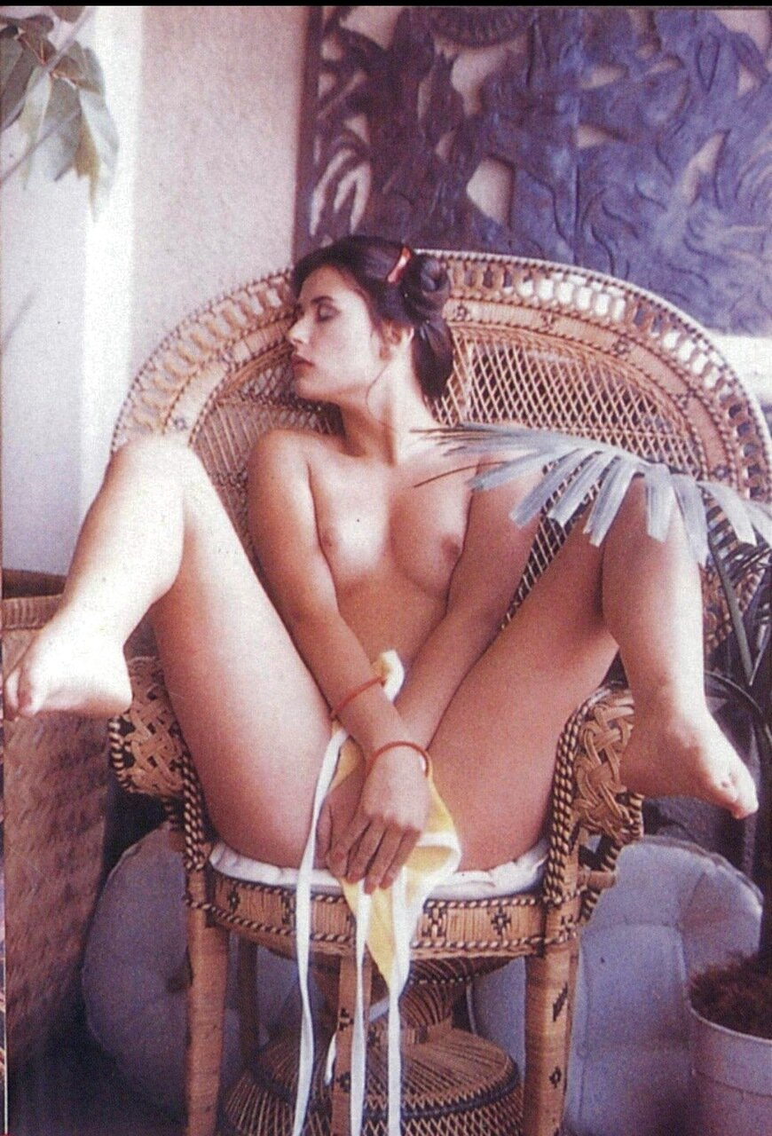 Naked sex pictures of demi moore