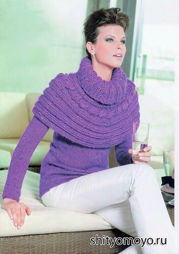 Фиолетовая накидка связана