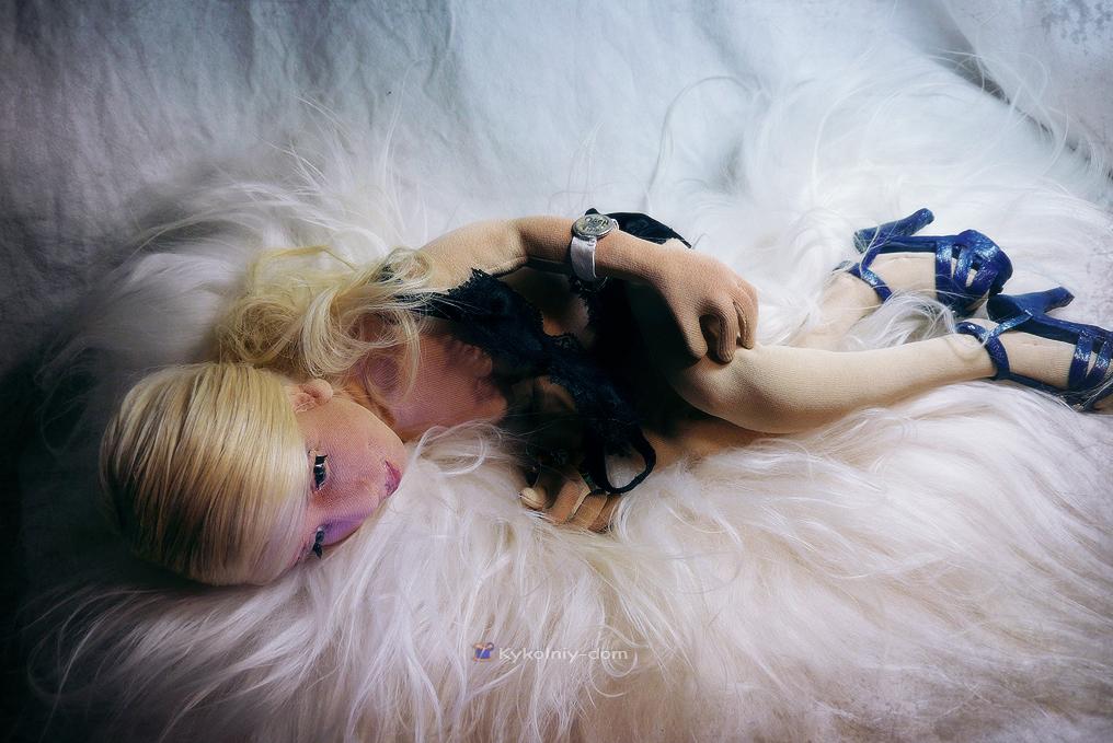 Портретная кукла по фото модельер модной женской одежды Dash. Даша Стравински (Dasha Stravinsky)., портретная кукла, кукла ручной работы, кукла в подарок, что подарить, идея подарка, девушка, необычный подарок, авторская кукла, шарнирная текстильная, шарнирная кукла, интерьерная кукла, кукла по фотографии