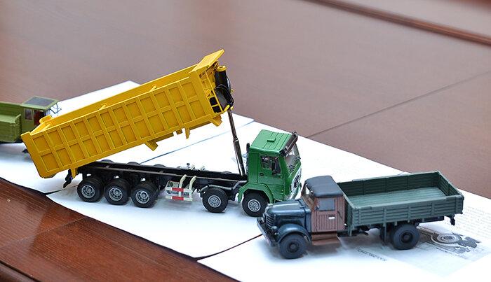 Модель машины AB toys