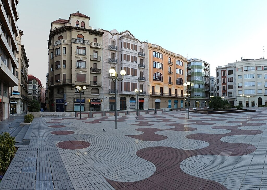 Tortosa, Тортоса, Placa Alfonso XII,  Casa Ballester