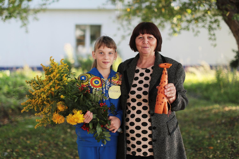 Фрида Фридриховна Иванова (опекун) — с 13-летней дочерью Наташей.