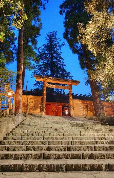Храм Исэ, расположенный в городе Удзи-тати японской префектуры Миэ, является синтоистским храмовым к