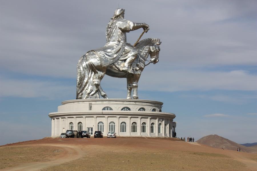 Конная статуя Чингисхана