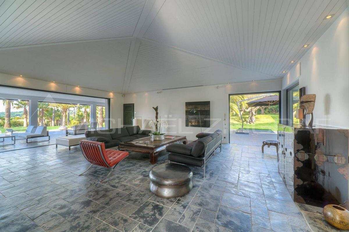 дома в Сен-Тропе, особняки на Лазурном Берегу, роскошные дома во Франции, элитная недвижимость Лазурного Берега, купить недвижимость во Франции