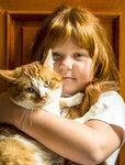 Рыжая девочка и рыжий кот