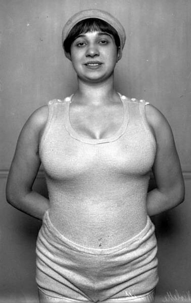 Violette Morris, 1913