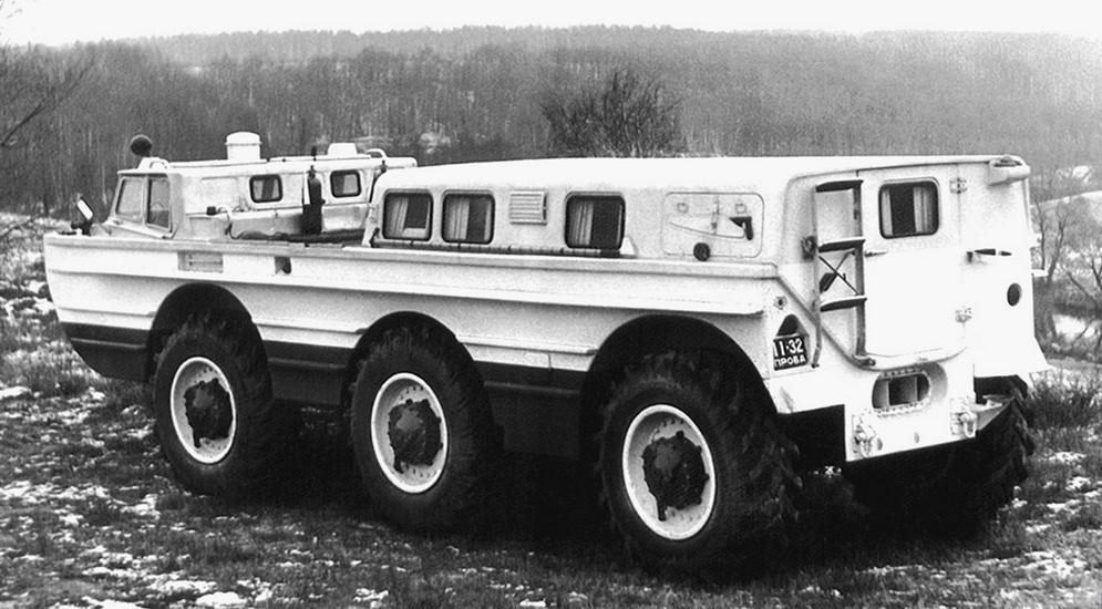 Грузовая поисковая установка ПЭУ-1Б с 5,5-метровым краном. 1974 год