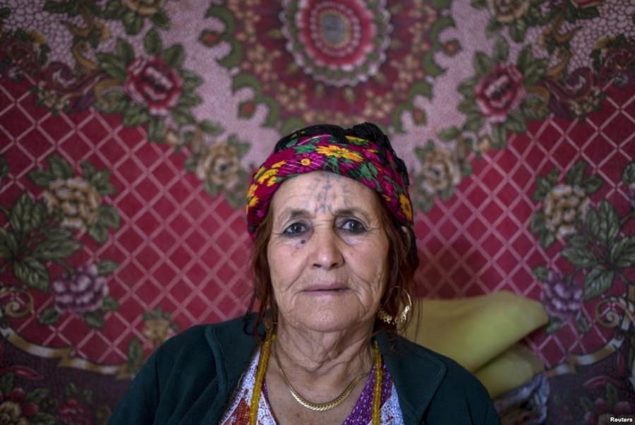 1. Фатма Хаддад, 80 лет Первую татуировку Хаддад нанесла в 18 лет и сделала это потому, что у многих