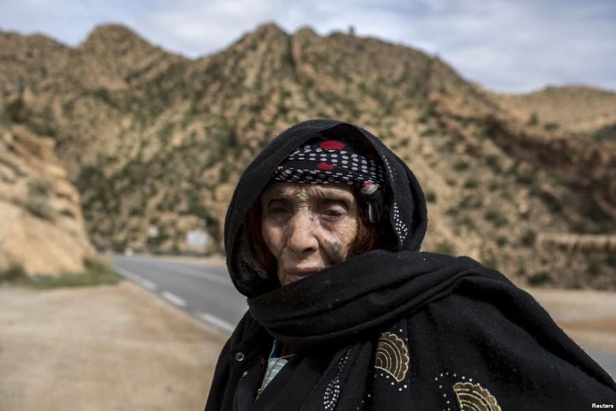 9. Углада Бо, 86 лет Когда Угладе было 7 лет, ей сделали татуировку кочевники из Сахары по совету ма