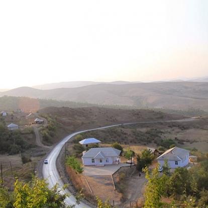 Всего: 68 700 рублей Бостери – курортный поселок на берегу озера Иссык-Куль, который считается «кирг
