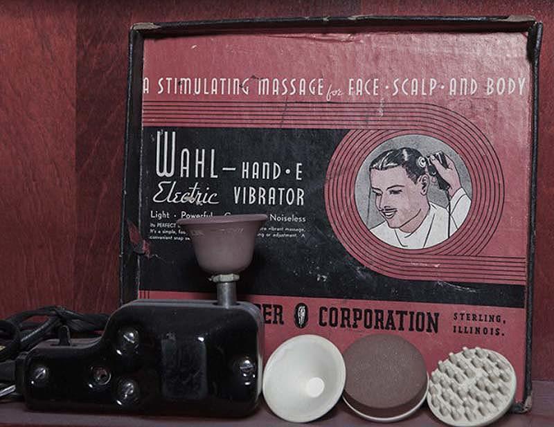 3. Wahl Hand-e, 1940. Упаковка утверждает, что сие устройство предназначено для массажа «лица, скаль