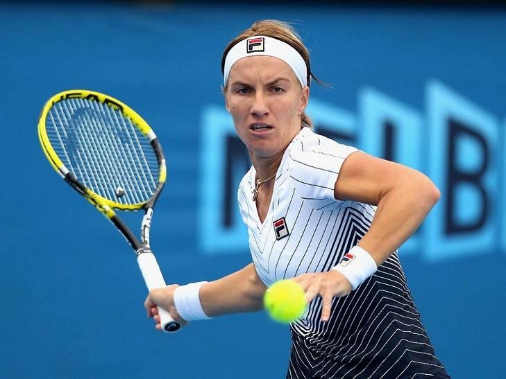 Россиянка Светлана Кузнецова одолела Агнешку Радваньску впервом матче Итогового турнира WTA