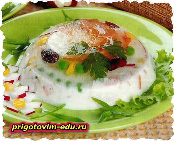 Овощи в желе (помидор , редис , яйца)