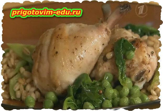 Гарнир. Перловая крупа с зеленым горошком и стручковой фасолью.