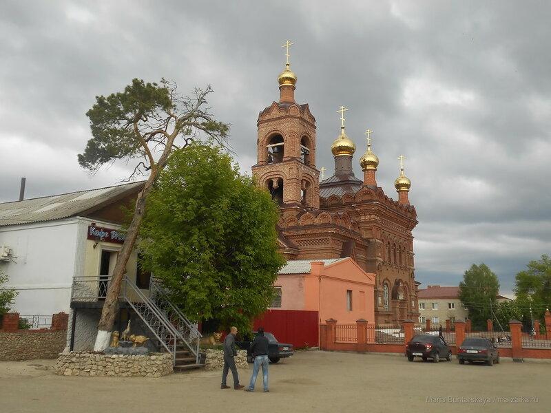 Крестовоздвиженская церковь, Хвалынск, 18 мая 2016 года