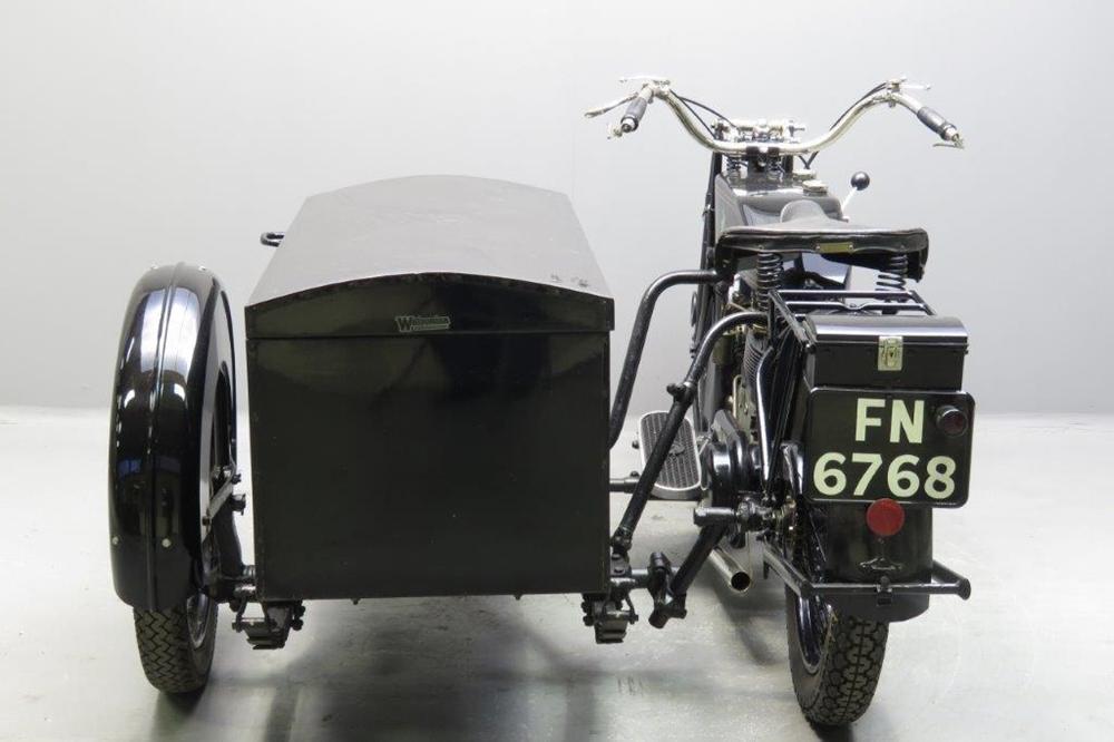 Старинный мотоцикл Matchless Model M/3 1924