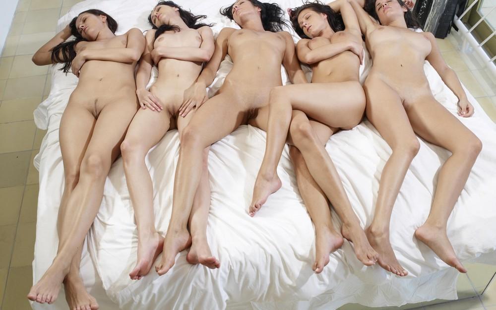 Сексуальные подружки (18+)