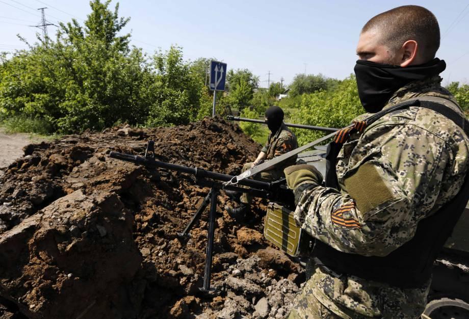 С начала суток боевики обстреляли позиции украинской армии в Старогнатовке и Авдеевке, – пресс-офицер