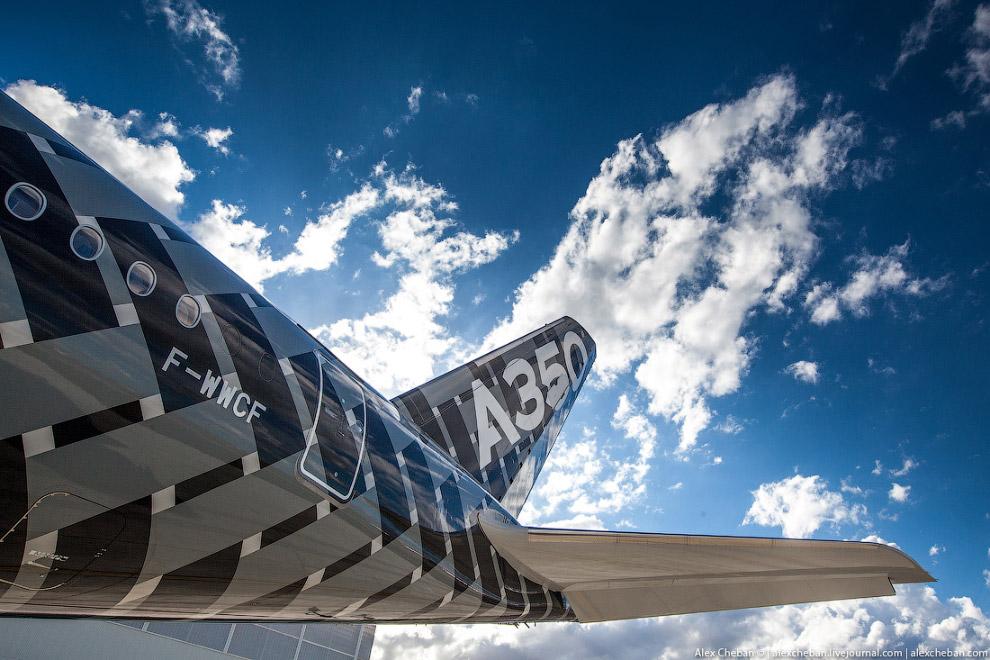 5. По состоянию на июнь 2017 года Airbus получил заказы на поставку 826 самолётов A350 XWB от 3