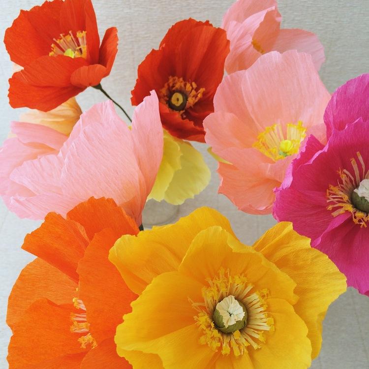 Реалистичные цветы из бумаги Kate Alarcon