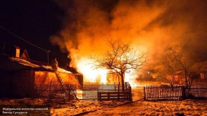 ВУльяновской области полыхает многоквартирный дом