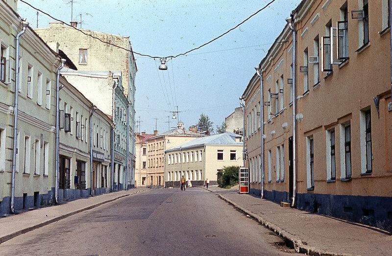 147704 Трубная ул Юрий Славин 1976.jpg