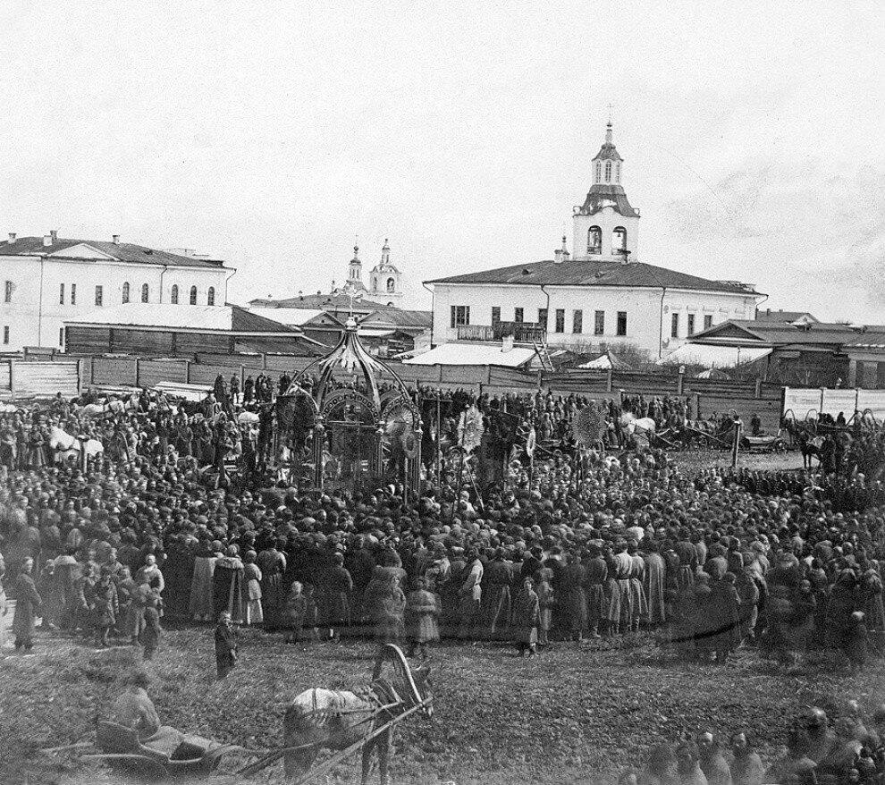 1867 Тюмень. Молебен на Александровской площади по случаю избавления от опасности жизни государя императора. 4 апреля 1867 года.jpg