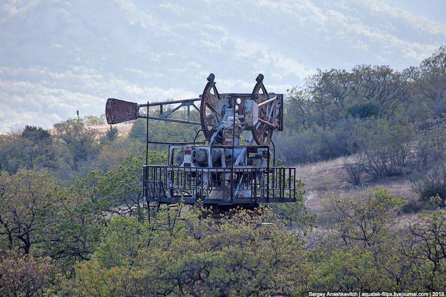 Верхняя часть лунной станции находится на верхней точке Балалы-Кая, на высоте 391 метр над уровнем м