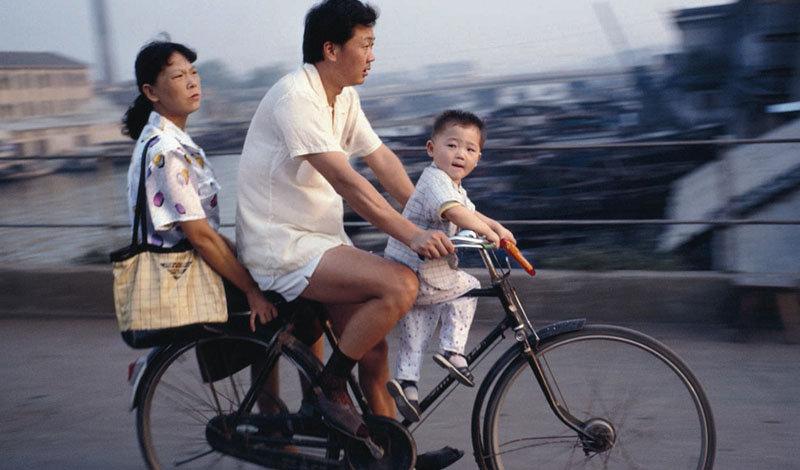 Китай  Общее количество языков : 300 Для чтения китайской газеты вам потребуется знать не