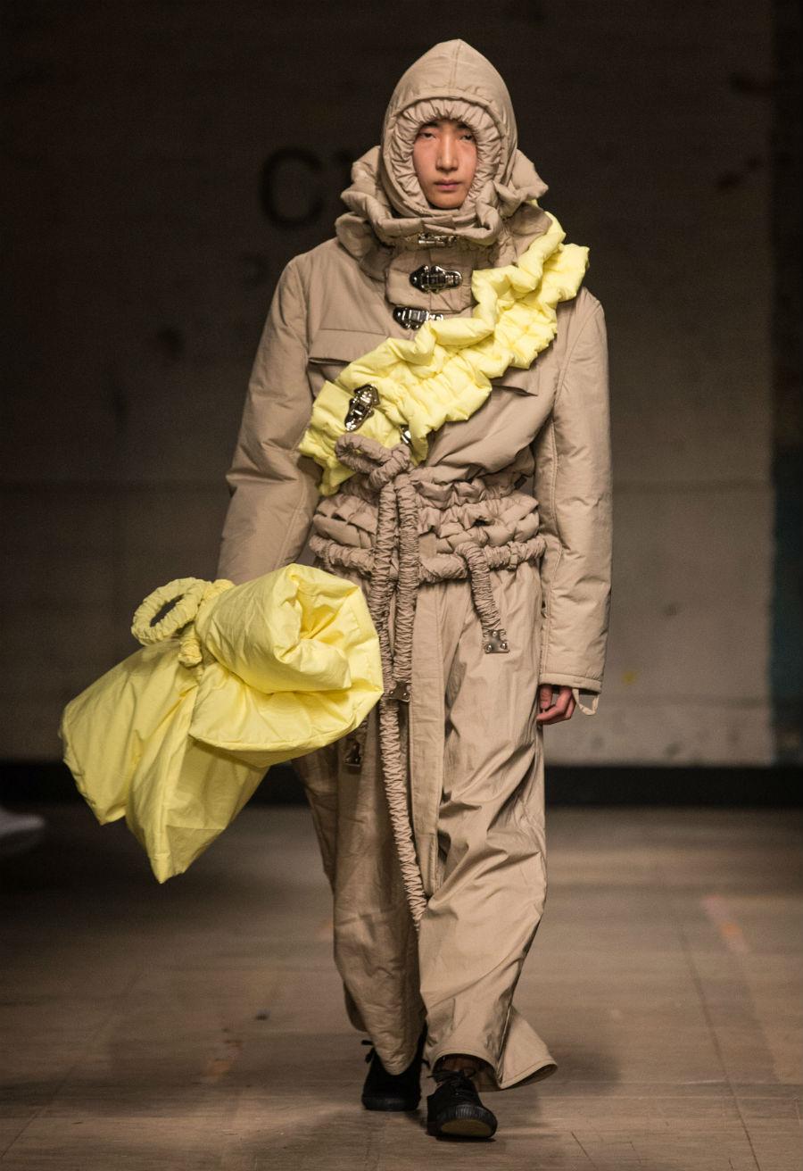 Мы хотим это развидеть — в Лондоне состоялась Неделя мужской моды (15 фото)