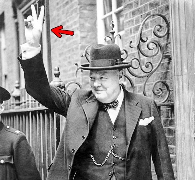 © wikimedia  Впервые жест был использован после 100-летней войны между Англией иФранцией. Фра