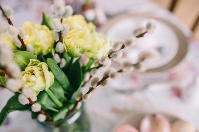 Посадить зелень наподоконнике или цветок вгоршке инаблюдать засвоей собственной весной. Сделать