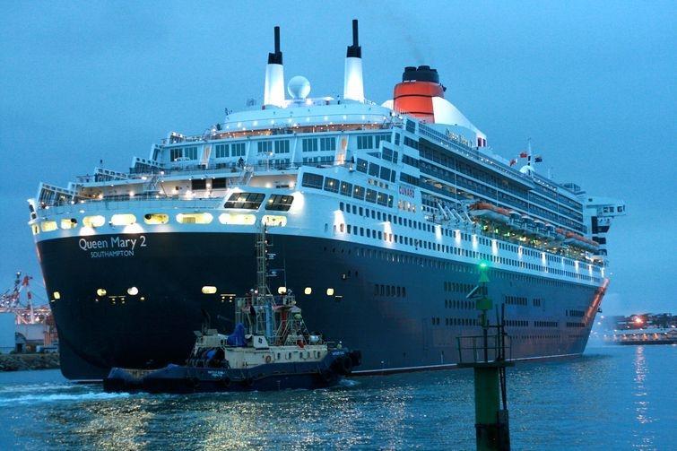 2. The Queen Mary: вечный круиз В наши дни мировой океан бороздит блестящий круизный лайнер Queen Ma
